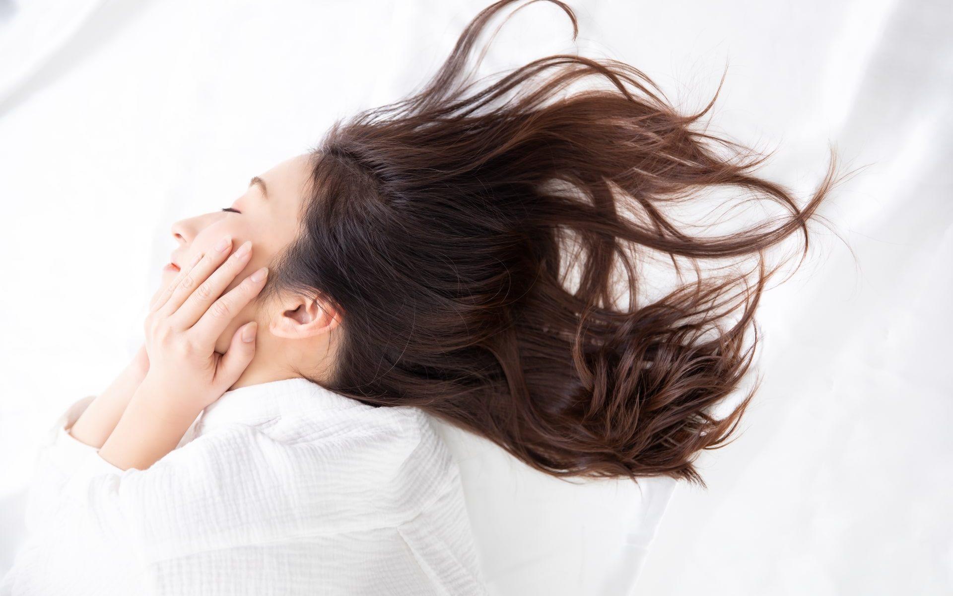 「頭皮タトゥー」髪と頭皮のハーブ専門店から新しい薄毛対策!